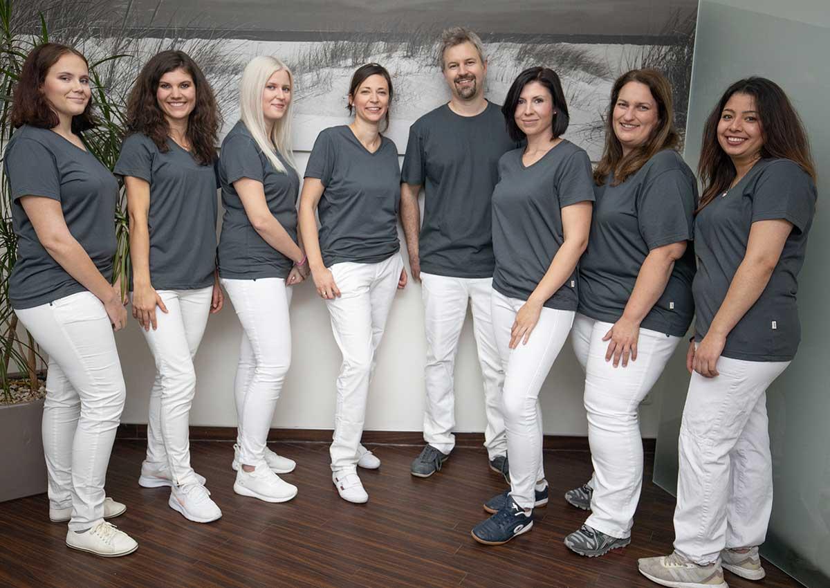 zahnarztpraxis-roesch-woerth-starkes-team-2