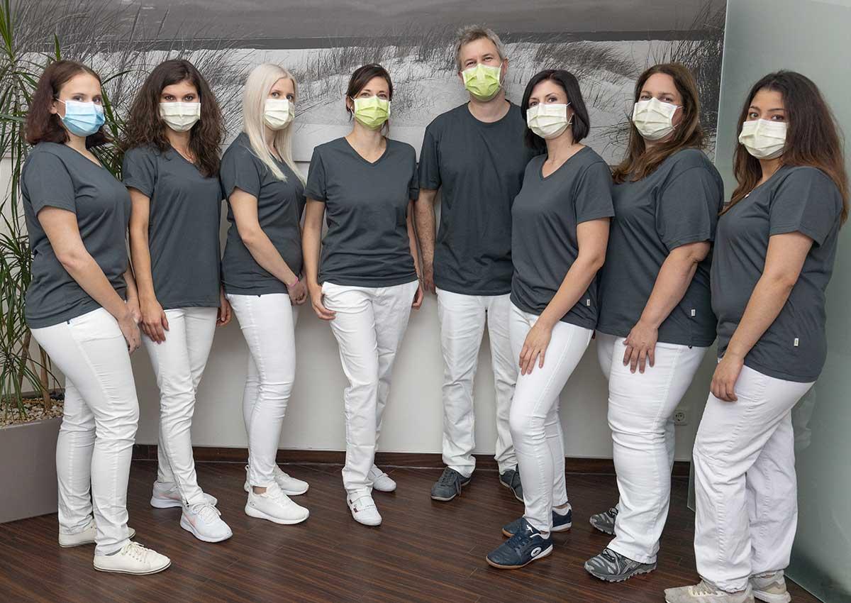 zahnarztpraxis-roesch-woerth-starkes-team